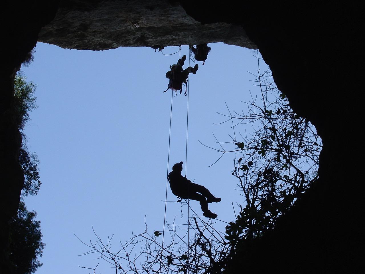 caving-719356_1280